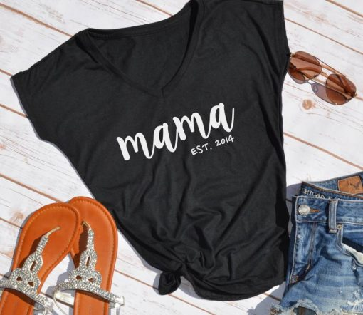 TNGU-2D-375850106884 Mama Est. custom mom shirt